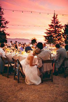 [WEDDING CHECKLIST] Les questions à poser à votre photographe de mariage #beautiful #sunset #intimacy #beautifulsky #peace #romance #weddingday #wedding #reception #outdoorwedding #pink