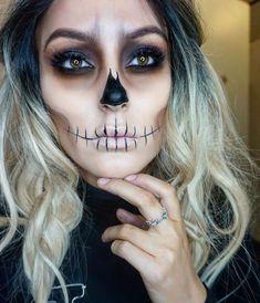 Fantasie-Make-up … - Halloween Make-up Skeleton Face Makeup, Sugar Skull Makeup, Halloween Skeleton Makeup, Pretty Skeleton Makeup, Skeleton Halloween Costume, Skeleton Face Paint Easy, Zombie Face Makeup, Scary Girl Halloween Costumes, Skeleton Costume Women