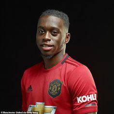 Photos: Manchester United signs Aaron Wan-Bissaka after splashing to get him from Crystal Palace Manchester United Champions League, Manchester United Players, Man Utd Fc, Wayne Rooney, Best Club, European Championships, Old Trafford, Crystal Palace, Man United