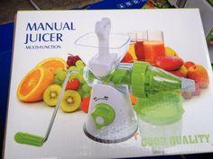 Máy ép hoa quả bằng tay (Trắng phối xanh)   Máy ép hoa quả bằng tay (Trắng phối xanh)  MUA HÀNG GIÁ SỐC TẠI ĐÂY  XEM HƯỚNG DẪN BẢO HÀNH TẠI ĐÂY  Giới thiệu sản phẩm Máy ép hoa quả bằng tay (Trắng phối xanh)  - Sản phẩm được làm bằng chất liệu cao cấp an toàn cho sức khỏe.  - Đế và cối bằng nhựa ABS  - Có khả năng ép được nhiều loại trái cây.  - Thiết kế nhỏ gọn không chiếm nhiều diện tích khi sử dụng và bảo quản.  quả quá trình để trích xuất nước trái cây chất lượng cao mà không có điện…