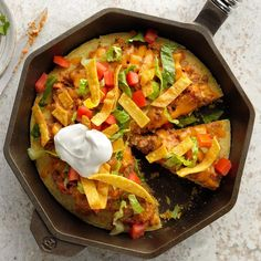 Mexican Dishes, Mexican Food Recipes, Dinner Recipes, Ethnic Recipes, Mexican Cooking, Dinner Ideas, Mexican Meals, Taco Pizza, Cast Iron Cooking