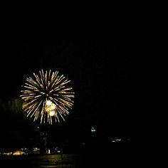 #江ノ島 #湘南 #夏 #summer #Fireworksdisplay #花火大会 #砂浜で見物 #20分という短さ #あっというまに #終了 #でもそれが好き #shonansnap