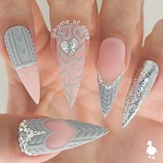 Red Acrylic Nails, Pink Nail Art, Pink Nails, Cute Acrylic Nail Designs, Nail Art Designs, Nail Art Noel, Sassy Nails, Nails Design With Rhinestones, Sweater Nails