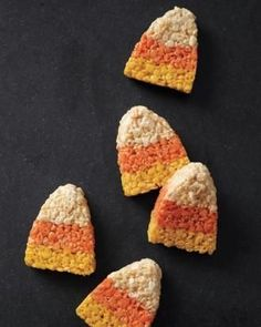 Few Halloween candies are more popular than candy corn. Everyday Food editor Sarah Carey has conjured a candy corn dessert with appeal for both camps: candy corn–shaped Rice Krispies treats. Menu Halloween, Halloween Party Snacks, Halloween Sweets, Halloween Appetizers, Cute Halloween, Halloween Ideas, Halloween Brownies, Halloween Candy, Halloween Goodies