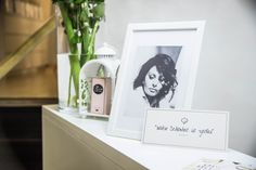 Cosamo Beautyspa | ...zeitlos schön fühlen | Beautysalon | vintage white decoration Bookends, Cosmetics, Frame, Vintage, Home Decor, Nice Asses, Picture Frame, Frames, A Frame