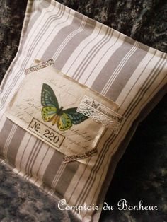 Vintage inspired #stitched&sewn pillow