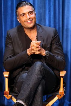 'Jane The Virgin Star Jaime Camil Explains Hollywoods Latino Problem With The Perfect Analogy