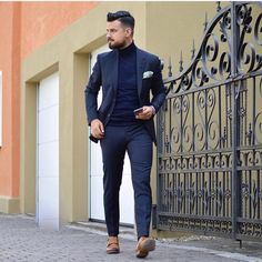 First Autumn Look ✔️ What do you think? Trendy Mens Fashion, Indian Men Fashion, Suit Fashion, Stylish Men, Men Casual, Rugged Style, Navy Blazer Outfits, Casual Outfits, Designer Suits For Men