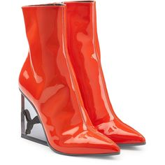 FENTY Puma by Rihanna Patent Leather Ankle Boots (21.185 RUB) ❤ liked on Polyvore featuring shoes, boots, ankle booties, red, ankle boots, pointed toe ankle boots, red ankle boots, patent leather ankle boots and pointed-toe boots