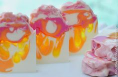 Handmade in Florida: Sun Kissed, a CP & MP Drop Swirl Soap