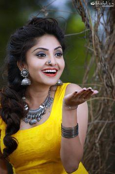 Karunya Ram by abhishek. Dehati Girl Photo, Girl Photo Shoots, Girl Photo Poses, Beautiful Blonde Girl, Beautiful Girl Photo, Stylish Girls Photos, Stylish Girl Pic, Girl Pictures, Girl Photos