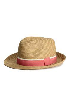 Cappello in paglia  Cappello in paglia di carta con nastro di gros-grain  attorno 1dc069ec17ce