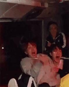 *screaming* 171024 RUN BTS Zombies / scared boys hobi: I'm gonna hit you, ho away! Hoseok Bts, Bts Bangtan Boy, Bts Boys, Bts Jimin, Seokjin, Namjoon, Vmin, Wattpad, Jin Gif