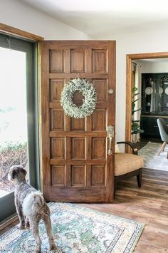 It's easy to paint a door to look like wood! Try this technique on any type of door: metal, fiberglass, wood, and more! You can create a wood-look door in hours. #fauxwood #paintedwoodfinish #paintdoortolooklikewood #howtopaintadoor