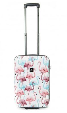 100% vakantiegevoel! Met deze koffer vol flamingo's is de vakantie toch nog leuker? Travel Must Haves, Flamingo, Purses And Bags
