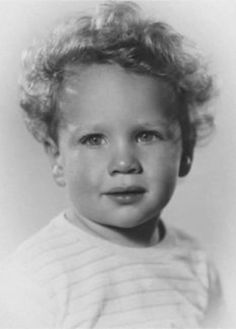 Ryan O'Neal (born Charles Patrick Ryan O'Neal in Los Angeles Ryan O'neal, Celebrities Then And Now, Young Celebrities, Celebs, Celebrity Baby Pictures, Celebrity Babies, Child Actors, Young Actors, Baby Faces