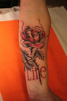 #tattoo #tasteofink #tattooart #tatuaggio #blackred #flower #rose #decristofarovincenzo #blotchtattoo #blotch #ink #inkedmag #tattoocircle #color #colorful #acquarell