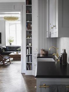 grey-and-brass-kitchen-photo-marcus-lawett