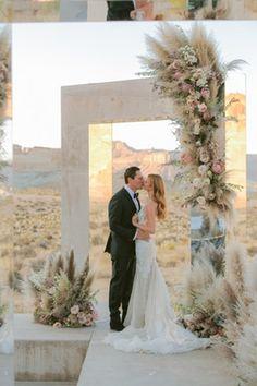 DJ Tiesto, marries 21 year old model Annika Backes in stunning desert wedding Utah, Vestidos Ralph Lauren, Vestidos Oscar, Coachella, Shades Of Burgundy, Most Romantic Places, Wedding Weekend, Dream Wedding, Luxe Wedding