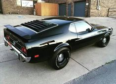 If I had a fastback this is what it would look like! Black everything except the Bumpers and center dog dish👌 This Perfect! If I had a fastback this is what it would look like! Black everything except the Bumpers and center dog dish👌 This Mustang Mach 1, Mustang Fastback, 1973 Mustang, Mustang Cars, Muscle Cars Vintage, Vintage Cars, Design Autos, Classic Mustang, American Muscle Cars