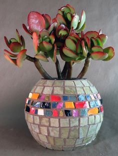 Nice stuff at andreasmalti.jpg Love the contrast of matte gray and brillant jewel-tones. Mosaic Planters, Mosaic Garden Art, Mosaic Tile Art, Mosaic Vase, Mosaic Flower Pots, Mosaic Diy, Mosaic Crafts, Mosaic Projects, Mosaic Tables