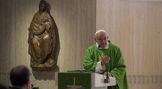 En la homilía que el Papa Francisco realizó este lunes en la Misa en la capilla de la Casa de Santa Marta, habló de la importancia de no juzgar a los demás, puesto que el único que puede hacerlo es Dios, y de mirarse en el espejo antes de hacerlo.