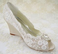 Hey, I found this really awesome Etsy listing at https://www.etsy.com/listing/220091601/wedding-shoes-peeptoe-bridal-shoes