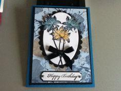 Design papier met bloemenstempel en uitgeknipt.