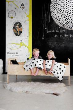 my scandinavian home: Childrens bedrooms, dutch style. Just Kids, Blackboard Wall, Chalk Wall, Black Chalkboard, Chalkboard Ideas, Deco Kids, Kids Room Design, Kid Spaces, Kids Bedroom