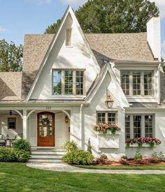Style At Home, Casas Country, Design Exterior, Exterior Homes, Exterior Colors, Modern Farmhouse Exterior, Farmhouse Style, Modern Cottage Style, French Farmhouse