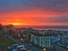 Sunset over #westwardho Weve been lucky enough to stay in a relatives apartment in a building that used to be The United Services College most famous alumni Rudyard Kipling he wrote Stalky and Co about his life here between 1878 and 1882. #sunsetoverthesea #northdevoncoast #rudyardkipling #unitedservicescollege #devon #holidayphotos #ig_sunsetshots #ig_seascape #kipling #familytime #iphone6s #snapseed #rupertbarker_photographer