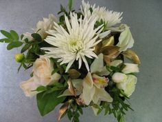 Event centerpiece in soft colors