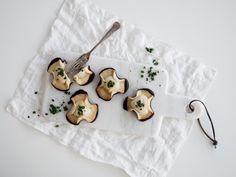 Napoleonshatte er lækre, flotte OG super nemme at bage. Win / win! Her får du både opskrift og chancen for at vinde bageudstyr med Kagedysten.
