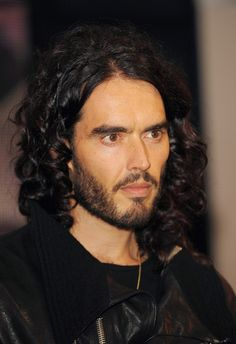 Google Image Result for http://images2.wikia.nocookie.net/__cb20110904165009/uncyclopedia/images/8/87/Russell_brand_looking.jpg