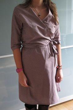 Modèle du HS n°4 de Coudre c'est facile. Modifications: Réduction de l'ampleur ainsi que de la longueur de la jupe. ->a faire en tissu élastique.
