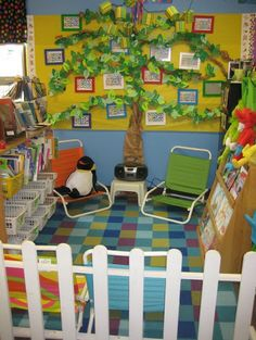 These will just make you want to cry. Who has classrooms that big? .... waaahhhh, wish I did! Awesome. Squish Preschool Ideas: Back To School- Classroom Decoration and Layouts?