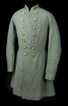 Confederate Officer's Frock Coat American, Made of cotton ***This military style may be an interesting starting place. There are patterns for it too. Antique Clothing, Historical Clothing, Civil War Flags, Civil War Fashion, Frock Coat, Steampunk, Civil War Photos, Looks Vintage, American Civil War