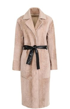 Женская розовая шуба из меха овчины с кожаным поясом DROMe, арт. DPD5456P/D304 купить в ЦУМ | Фото №1