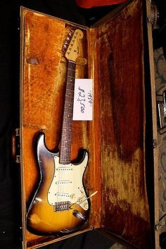 1959 Stratocaster - the natural electric beauty that started it all ^ ^ Fender Stratocaster, Gretsch, Fender Guitars, Fender Acoustic, Music Guitar, Cool Guitar, Playing Guitar, Guitar Chords, Les Paul