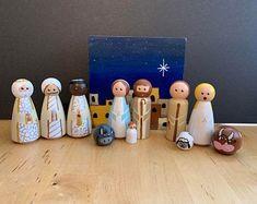 Nativity Peg Doll, Wooden Nativity Sets, Nativity Creche, Wooden Pegs, Christmas Jesus, Christmas Time, Christmas Crafts, Christmas Decorations, Christmas Ornaments