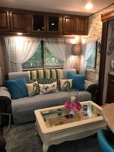 44 gorgeous rv living decoration for a cozy camping ideas 1 Do It Yourself Camper, Travel Trailer Decor, Travel Trailer Living, Lite Travel Trailers, Camping Trailers, Rv Travel, Decorating Your Rv, Decorating A Camper, Decorating Ideas