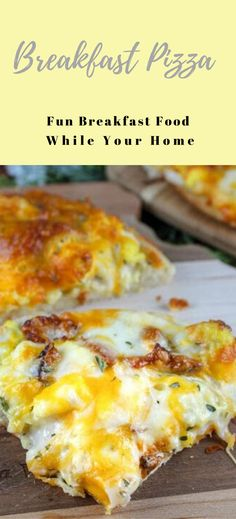 Bacon Eggs and Cheese Breakfast Pizza Pizza Buns, Bacon Egg And Cheese, Best Breakfast Recipes, Breakfast Ideas, Easy Family Dinners, Breakfast Pizza, How To Cook Eggs, Easy Snacks, Yummy Lunch