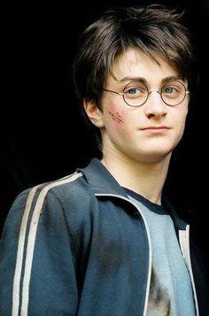 Harry Potter Quiz For House; Harry Potter Forever Magic Mug each Harry Potter House Quiz by Harry Potter Elder Wand Fantasia Harry Potter, First Harry Potter, Harry James Potter, Harry Potter Hermione, Harry Potter Fandom, Harry Potter Characters, Harry Potter World, Disney Star Wars, Daniel Radcliffe Harry Potter
