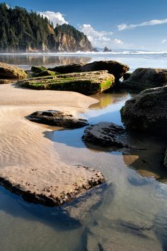 Rocks, Tide-Pools and Surf in Canada. - By Dale Cody at Galiano Island near Vancouver, Canada. Cool Places To Visit, Great Places, Places To Travel, Beautiful Places, Beautiful Gif, Vancouver Travel, Vancouver Island, Ontario, Columbia Outdoor