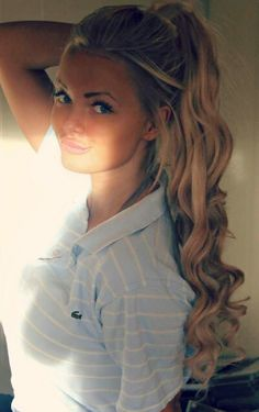 aww. first off shes cute. like her style. also like brown/blonde hair