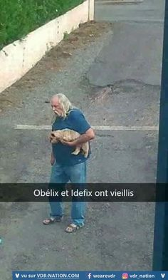 #VDR #HUMOUR #FUN French Meme, Obelix, Image Fun, Can't Stop Laughing, Vintage Humor, Internet, Picture Video, I Laughed, Haha
