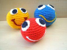 Kleine Ballspiele machen manchmal nochmehr Spß, wenn die Bälle grinsen- jedenfalls ist das bei unserem kleinen Neffen so.   Und wenn man noc...