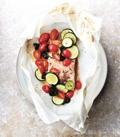What could be easier and more delicious than trout, zucchini and tomatoes in a parchment packet? And it comes with less than 300 calories!