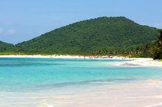 26 of the most iconic beaches in the world: Flamenco Beach, Culebra, Puerto Rico