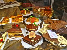 Perugia Chocolate Festival in Italy on one of our stops! Perugia Italy, Chocolate Festival, Local Festivals, Italy Vacation, Wine Recipes, Gingerbread, Sweets, Vacation Ideas, Desserts